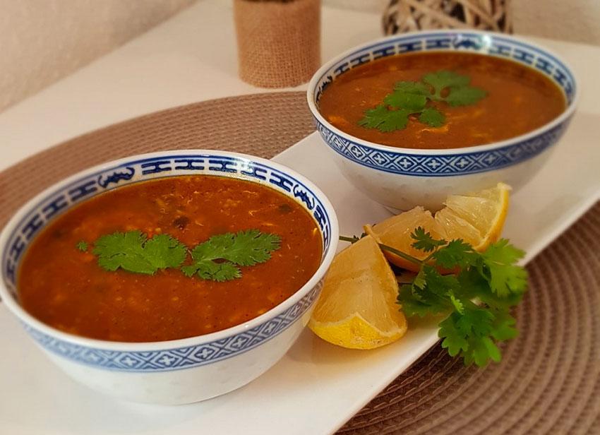 Harira végétarienne, la soupe marocaine aux tomates, lentilles et pois chiches