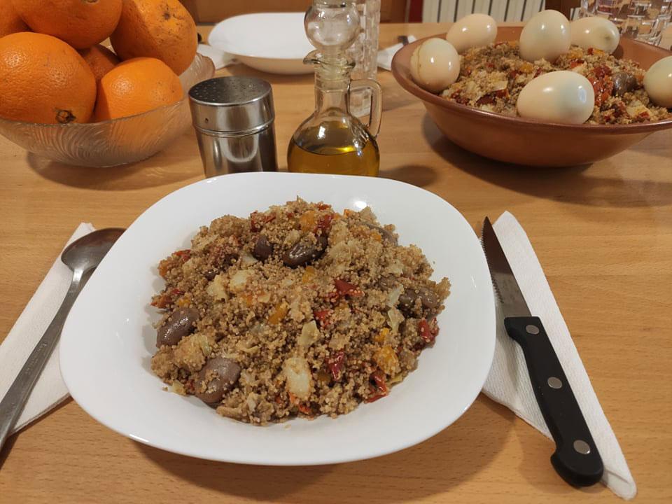 Couscous kabyle cuit à vapeur des racines de thapsia (Adriyes)
