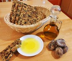 Le service du pain kabyle au chardon d'Espagne