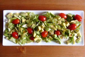 Salade avocat et tomates cerises au cumin