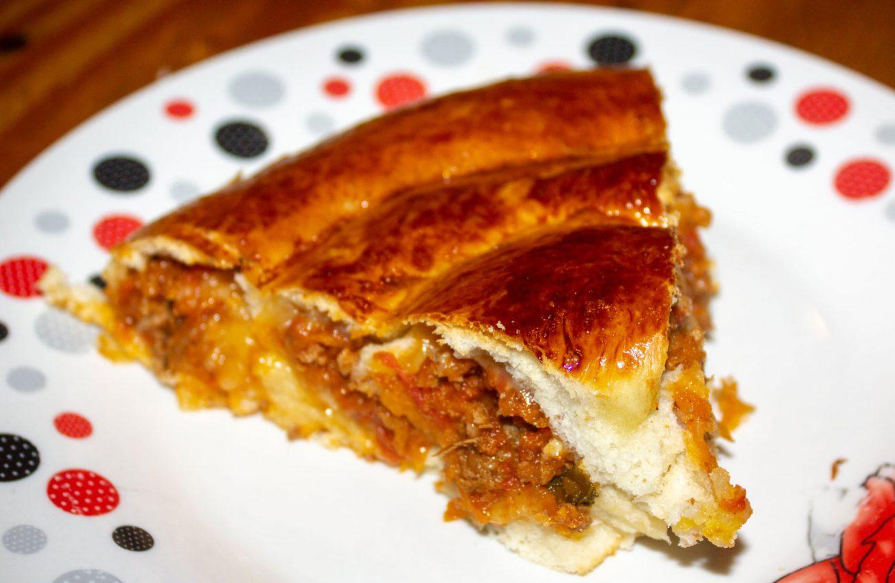 Pizza roulée sauce bolognaise