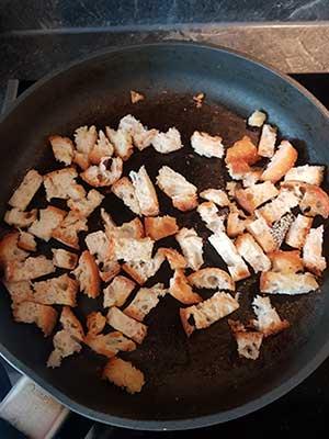Grillez les tranches de pain