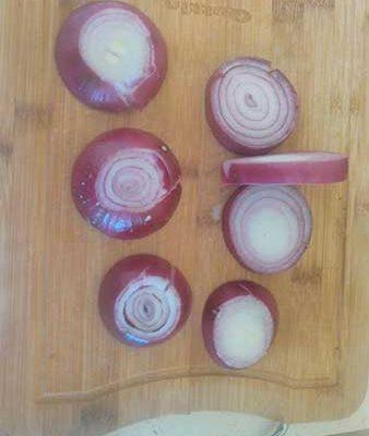 Coupez les oignons