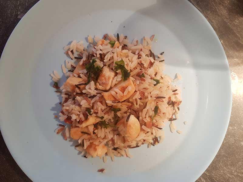 3 riz sautés au poulet et épices grillées