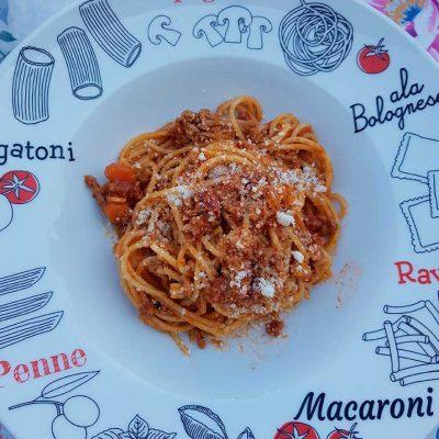 Assiette de spaghettis bolognaise
