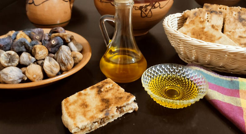 Galette kabyle farci à la viande séchée