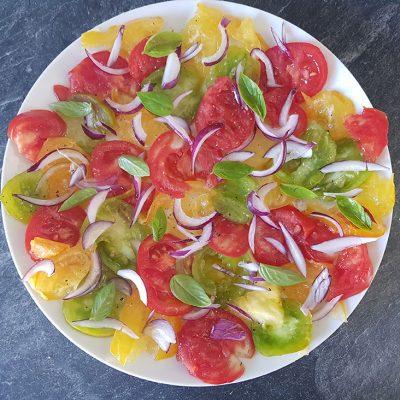 Salade de tomates et oignons